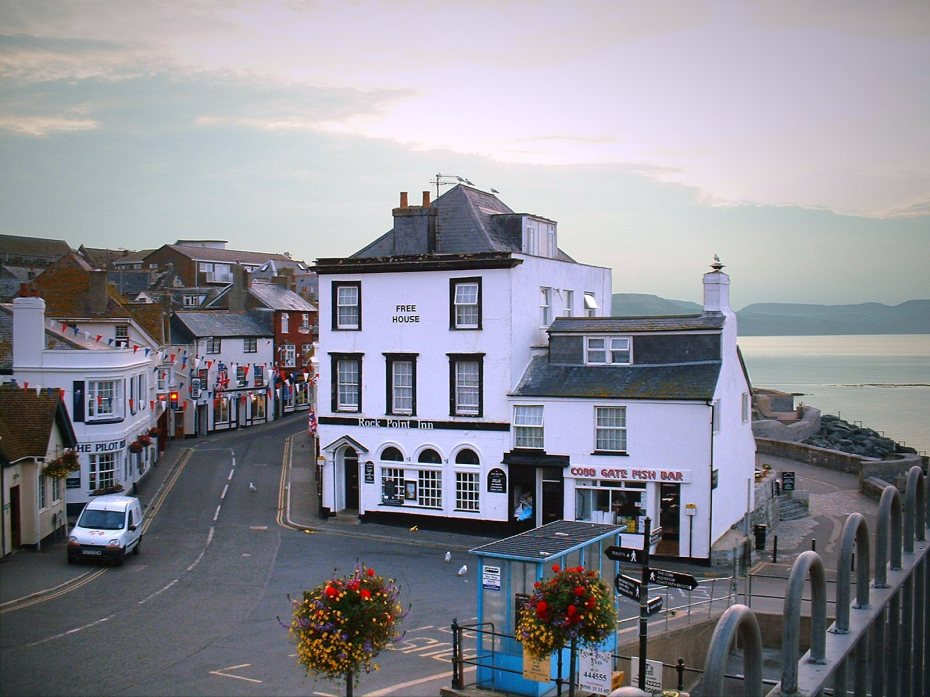 Lyme Regis, where critical events occurred in Austen's PERSUASION