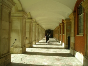 Colonnade in Fountain Court