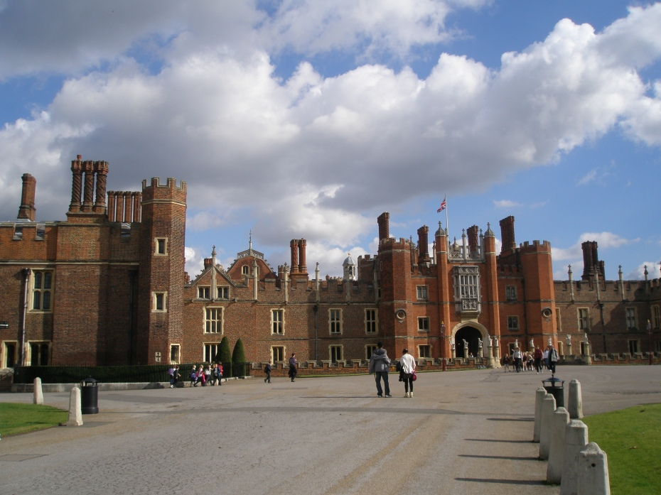 Approaching Hampton Court Palace