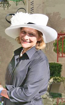 Nan, in her Philip Treacy creation, at the Chelsea Flower Show. May 2009.