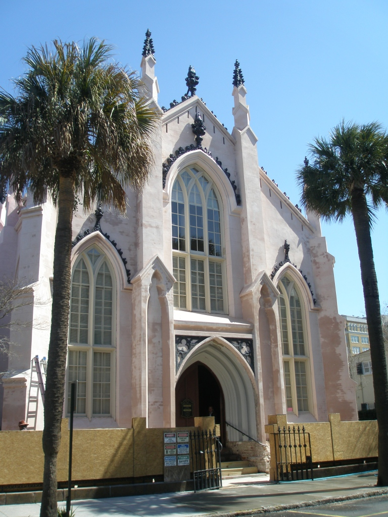 French Hugenot Church, 140 Church Street. This is the sole remaining congregation of Hugenots in America. A church has stood on this site since 1687. The present building, Charleston's first Gothic Revival church, was designed by Edward Brickell White in 1844-45. During my visit, this Pink Confection was being refurbished.