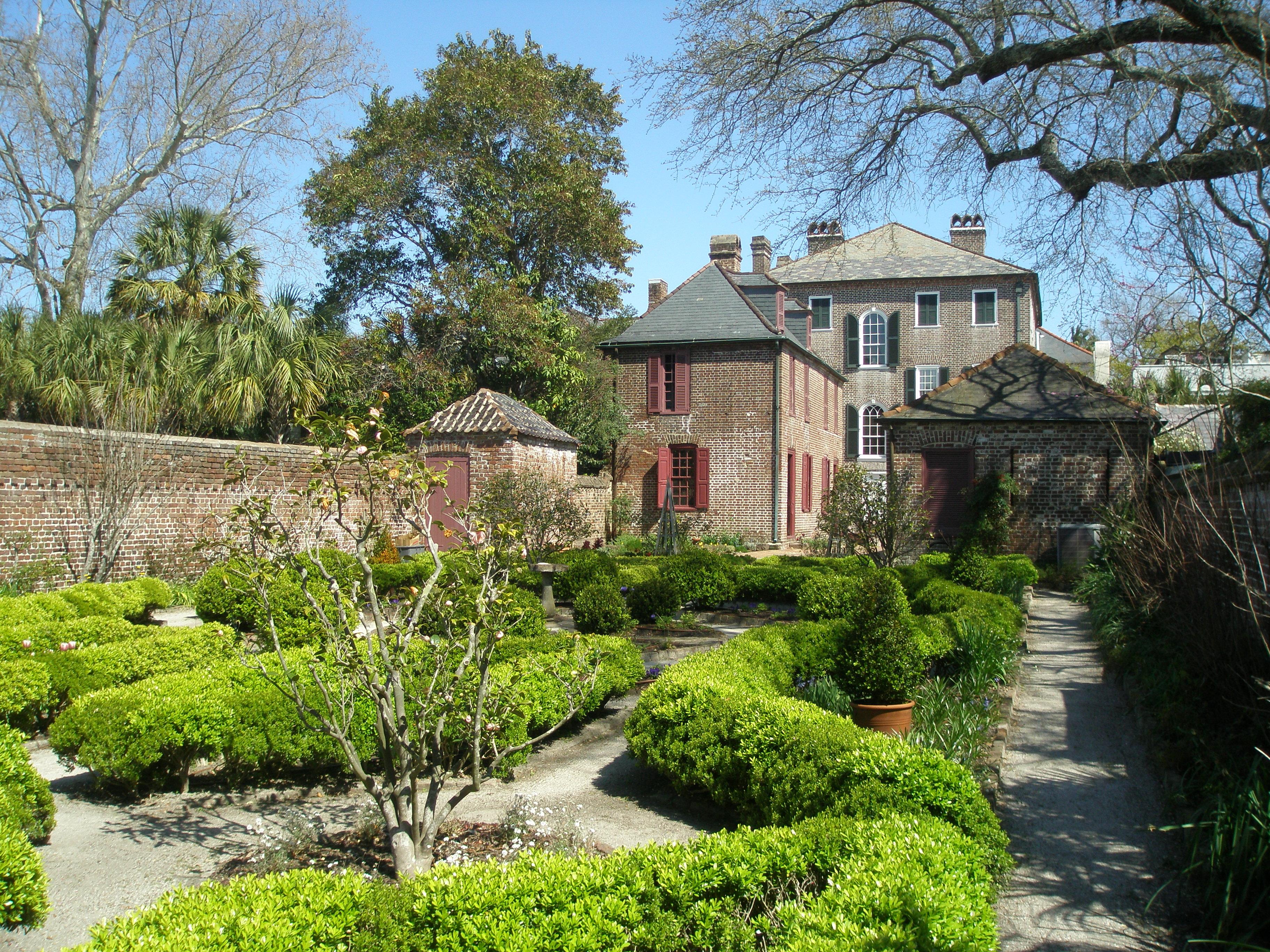 The Garden At The Heyward Washington House In Historic