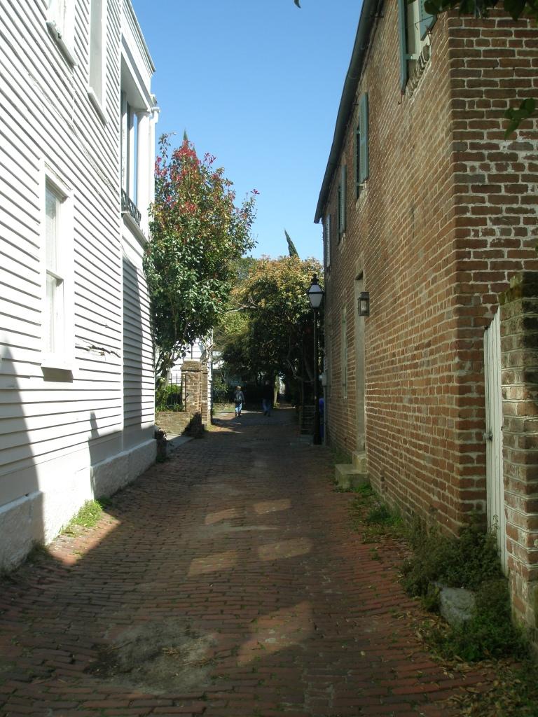 ...and, like a telescope, Longitude Lane begins to narrow...
