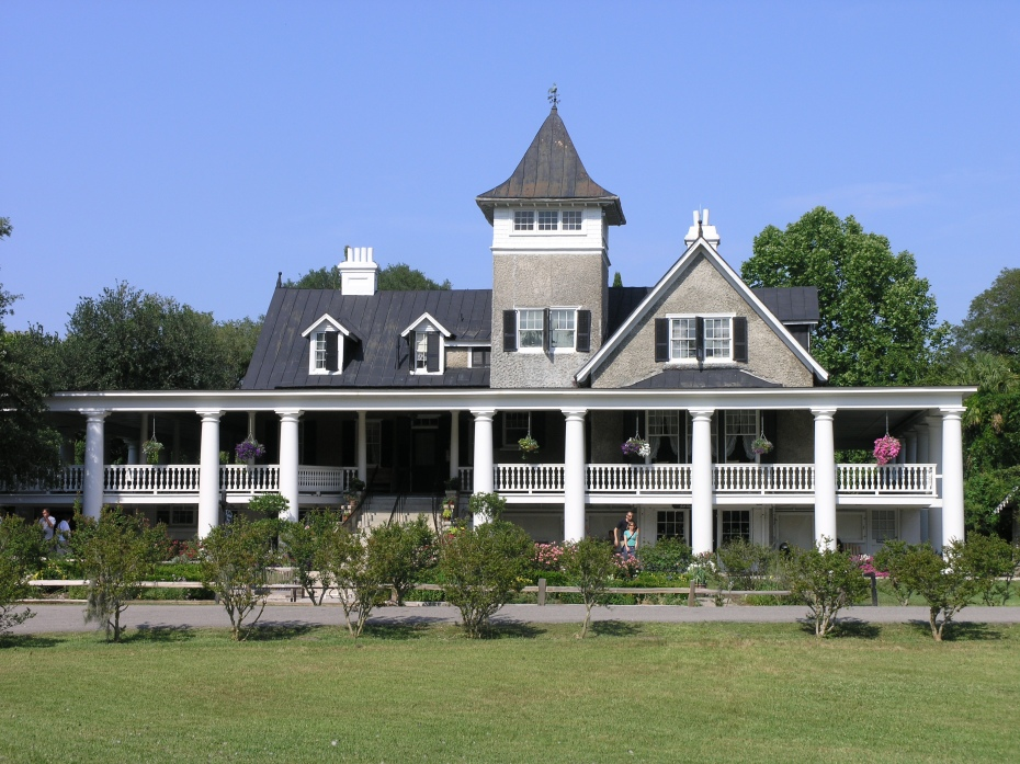 The Plantation House at Magnolia Gardens. Image courtesy of Magnolia Plantation.