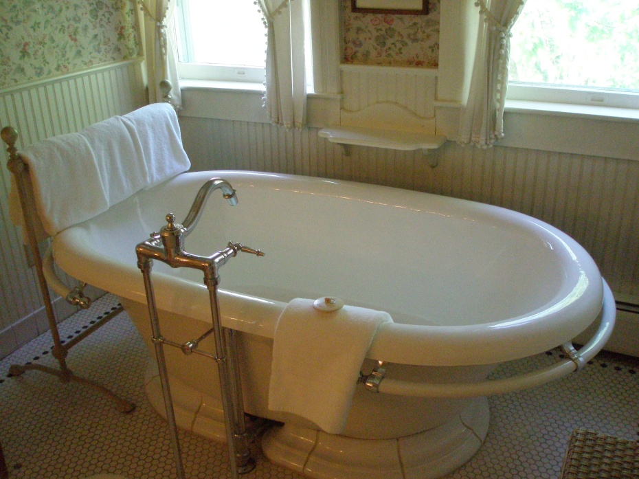 My enormous soaking tub at The Red Lion Inn