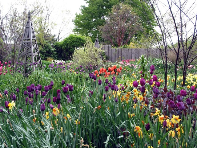 Springtime in Stonecrop's Enclosed Flower Garden. Image courtesy of Stonecrop Gardens.