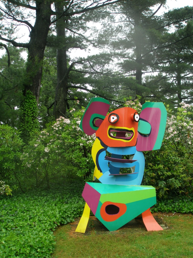 Just south of the Morning Garden is this 9-foot-tall display of Utter Goofiness: Karel Appel's MOUSE ON A TABLE (1971) !!!
