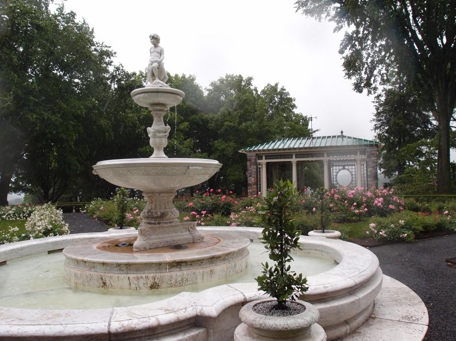 A closer look a the Rose Garden's Fountain