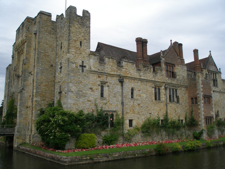 We skirted the edge of the inner moat, as we headed toward the Tudor Garden.
