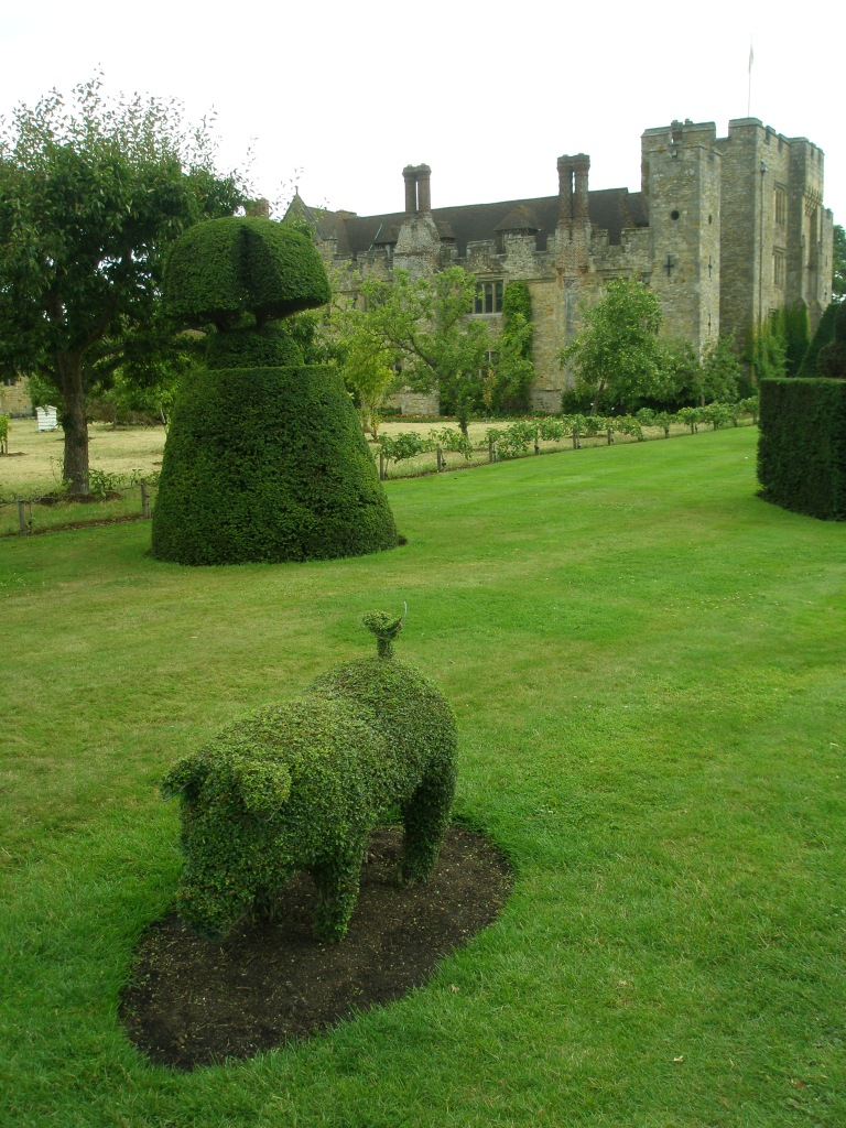 Topiary Piglet