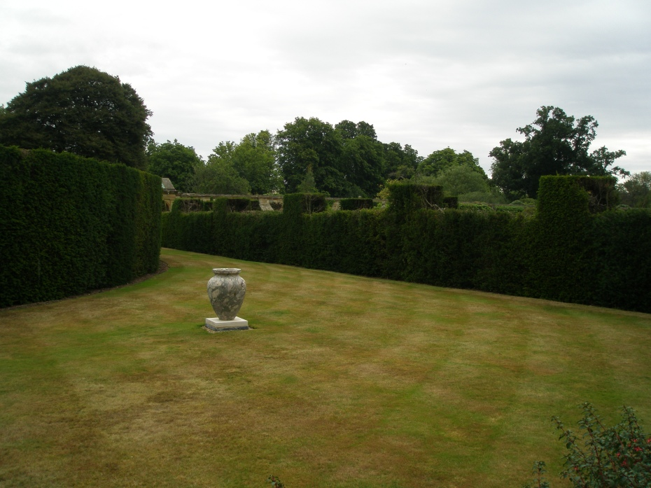 We began to work our way down the opposite, long side of the Italian Garden