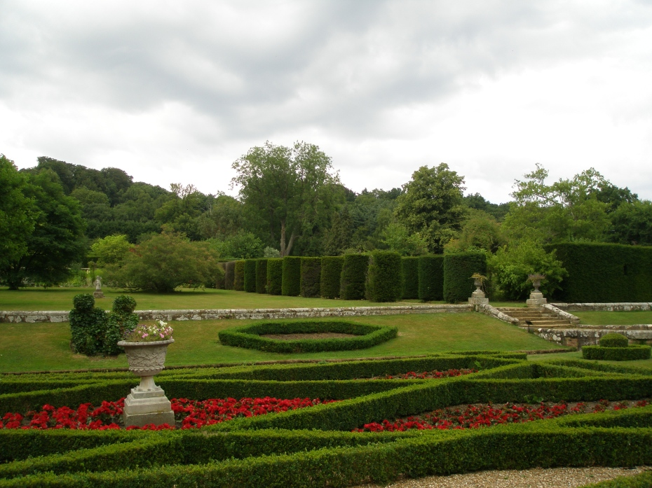 View from the Knot Garden, up toward the Grand Yew Allee