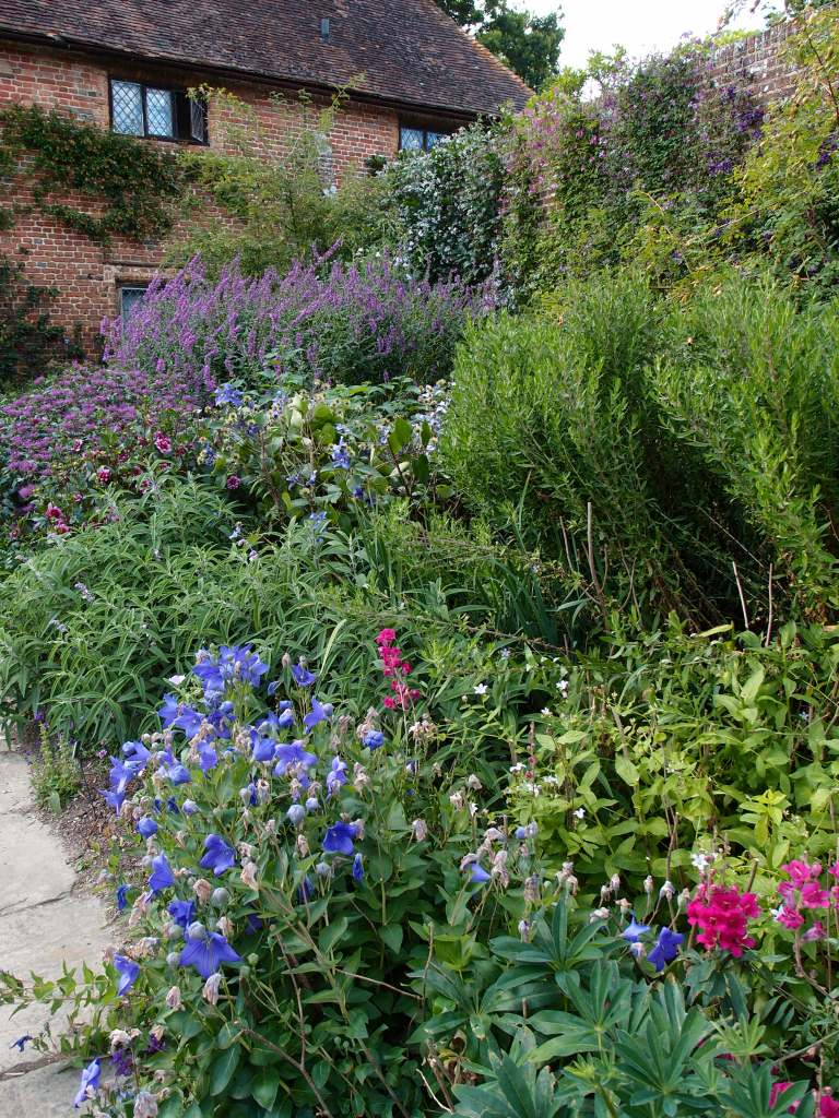 Vita planted the Purple Border with a clever mix of pinks, blues, lilacs and...yes, purples.