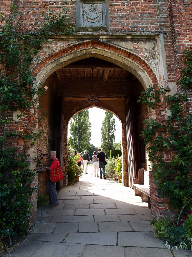 Amanda and I had completed our Sissinghurst visit, and we exited through the Main House's Archway.