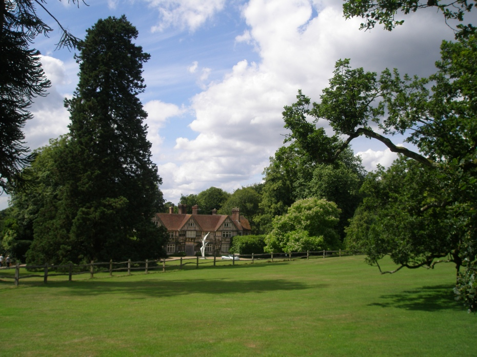 We approach the Manor House