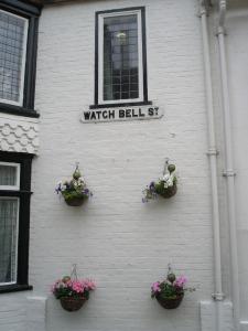 Watch Bell Street