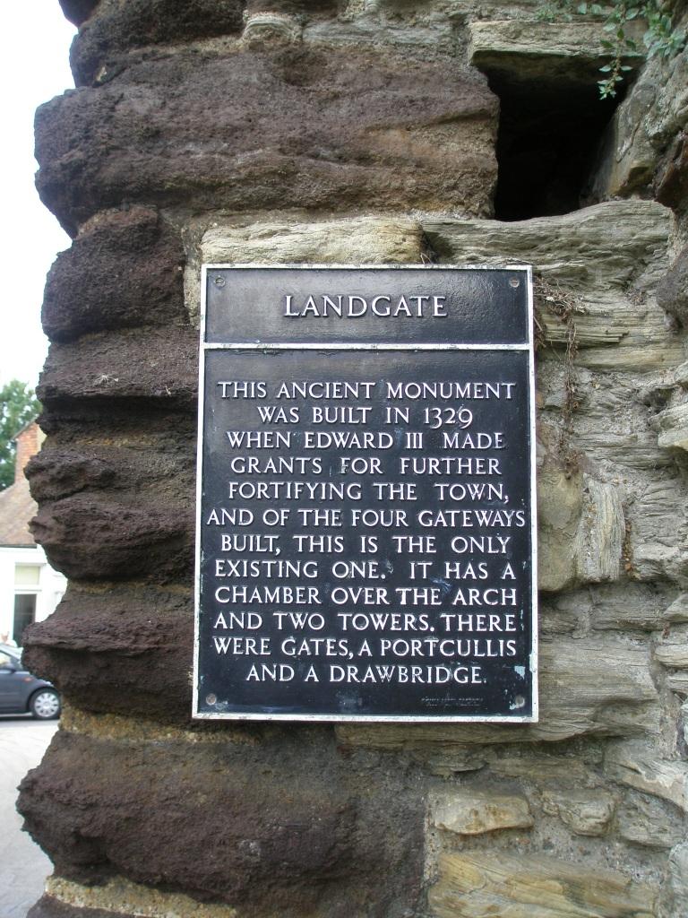 Plaque on Rye's Landgate.