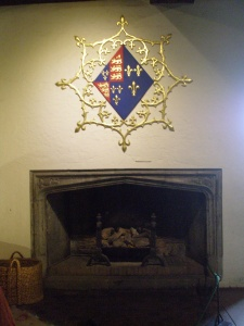 In the Queen's Room, named for Henry V's French wife Catherine de Valois, Queen Catherine's coat of arms decorates the hearth.