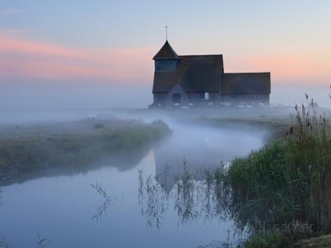 Stuart Black's dawn photo of St.Thomas Becket Church