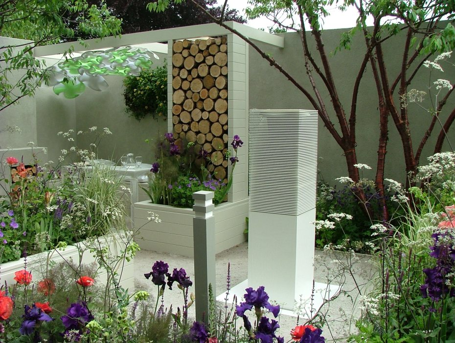 At the Chelsea Flower Show in May 2010. Photo by Anne Guy.
