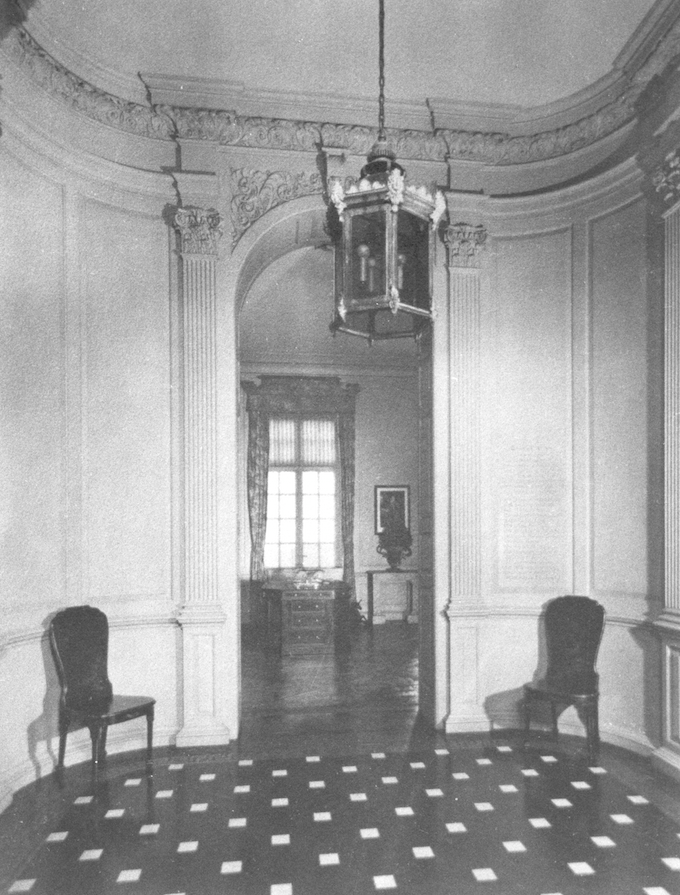 Vintage photo of the Foyer, as it looked from 1928 until 1949. Image courtesy of the Massachusetts Historical Society.