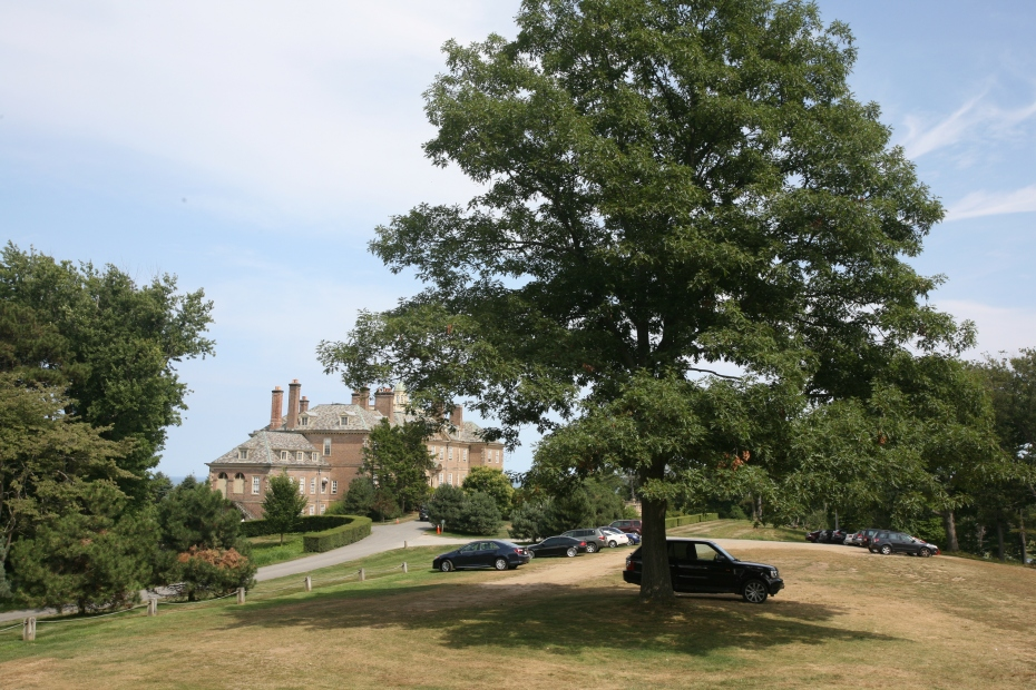 First glimpse of the Great House, from the Parking Lawn at Castle Hill