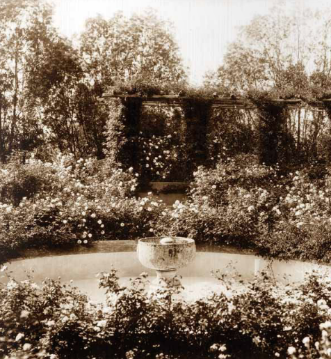 Vintage photo of the Rose Garden, with its central fountain and pool, circa 1915. Image courtesy of the Trustees of Reservations, Archives & Research Center