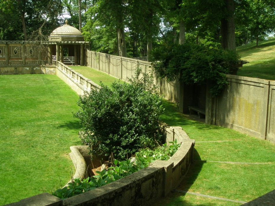 Another view of a grassy ramp