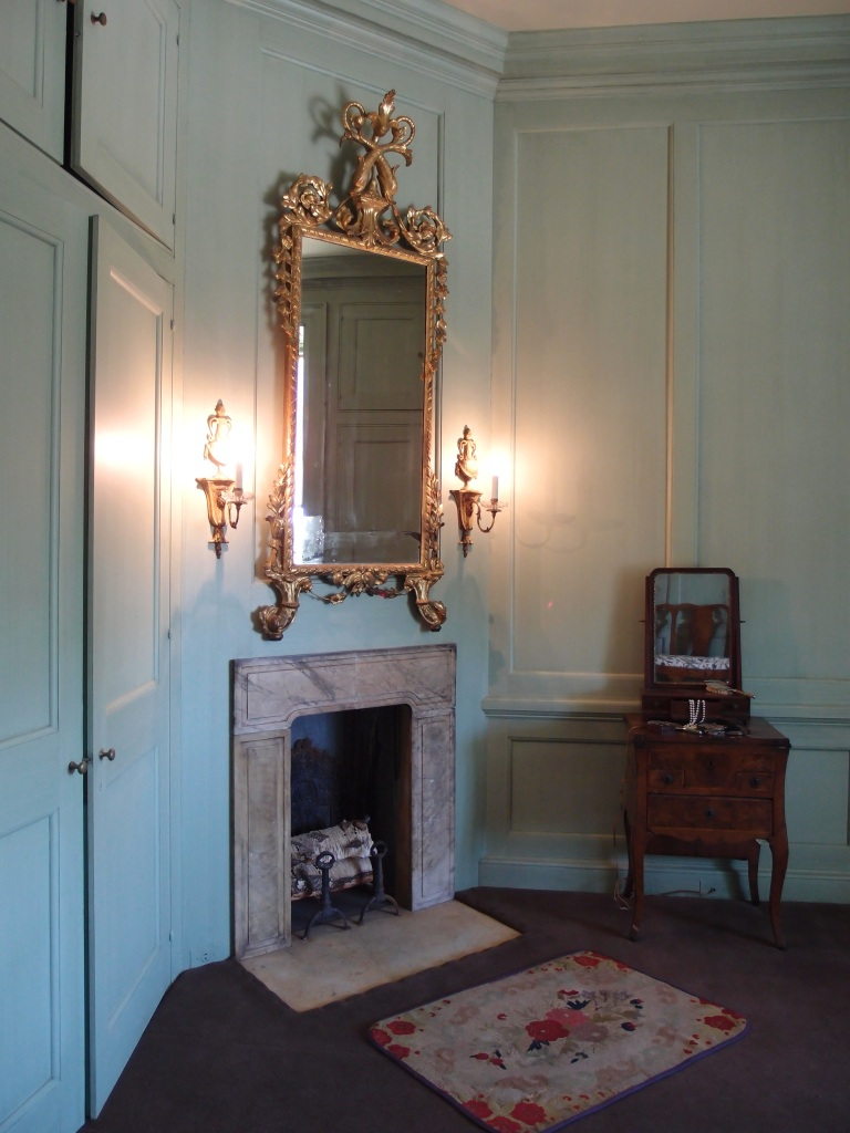 Mrs. Crane's dressing room, with green glazed walls