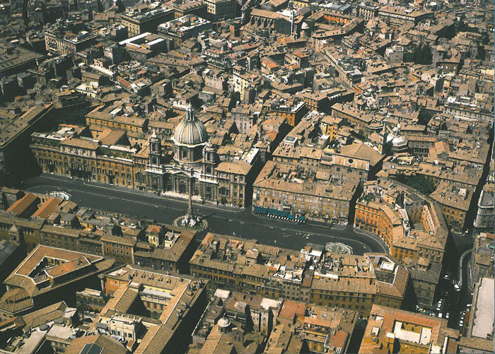 Aerial view of Piazza Navona. Image courtesy of R.A.Staccioli's ROME:PAST&PRESENT.