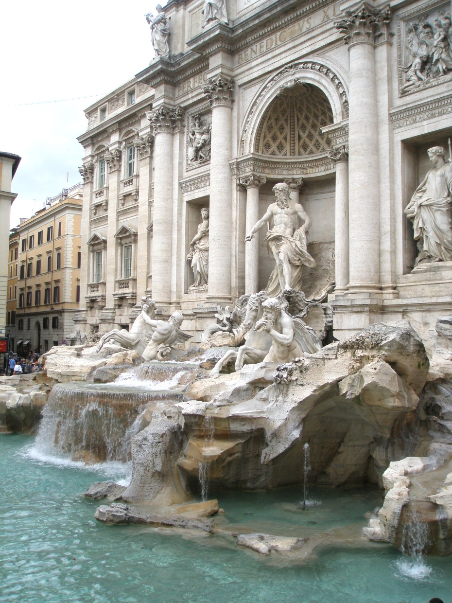 My farewell glance at the Trevi Fountain.
