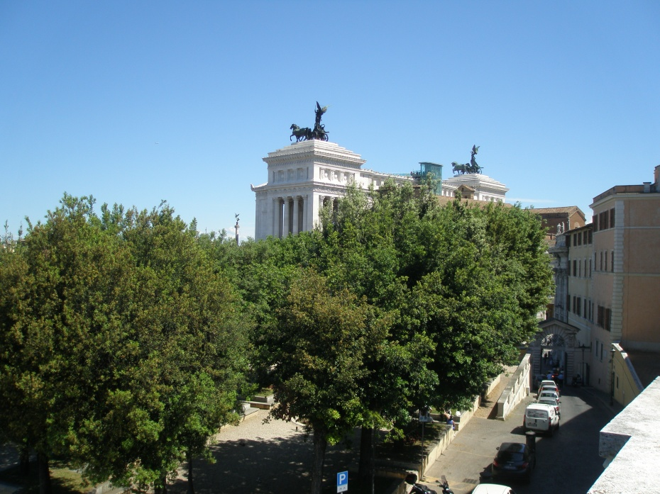 From the roof terrace Cafe at the Capitoline Museum: the view north, toward Il Vittoriano's winged twins.
