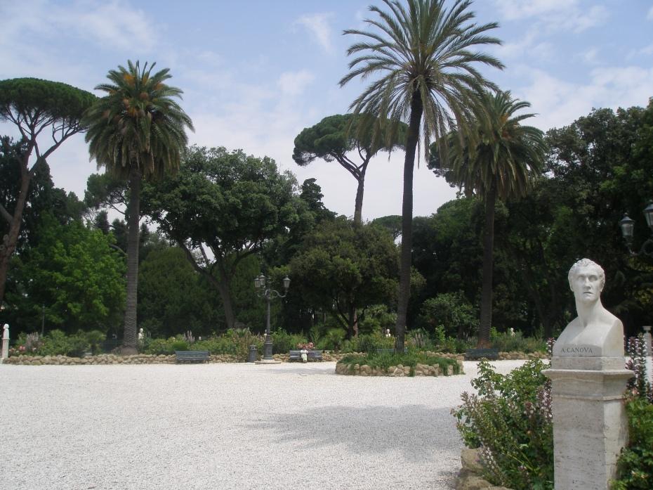 A quiet corner of Piazzale Napoleone