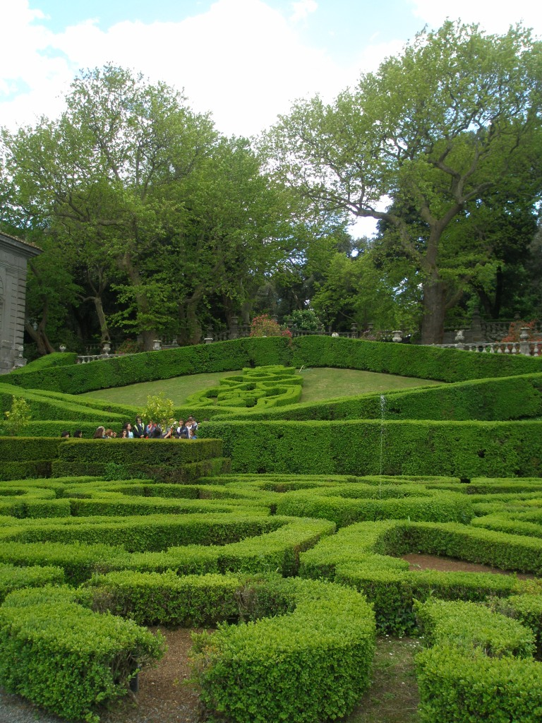 The Triangular Parterres, viewed as I stood among the much-curvier boxwood hedges that surround the Fountain of the Moors.