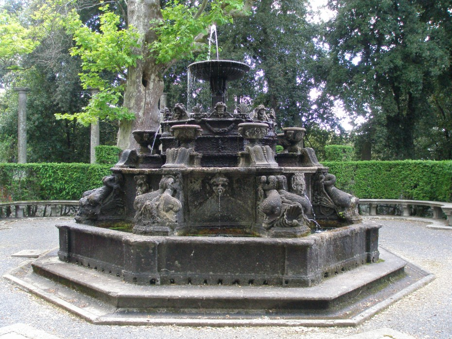 The Fountain of the Dolphins was once enclosed with a wooden trellis, which was covered with vines. Joke fountains were triggered by the movements of passers-by....step on the wrong stone, and you got soaked.