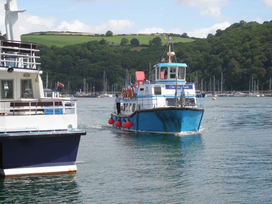 Greenway's Ferry approaches the Dartmouth Town Pontoon